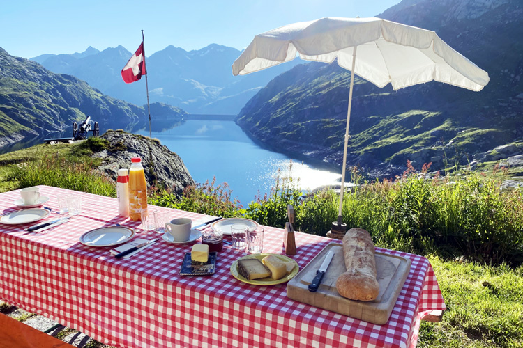 Swisspecial - Private Guiding in Switzerland - Trips - Secret Mountain Highlights 3