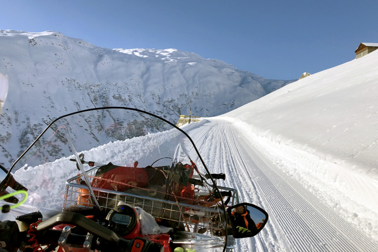 Swisspecial - Private Guiding in Switzerland - Trips - Snow Acitve Day 5