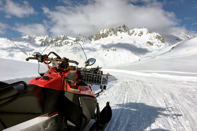 Swisspecial - Private Guiding in Switzerland - Trips - Snow Active Day